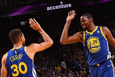 Warriors por su segundo triunfo en playoffs de la NBA